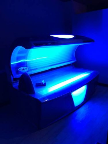how tanning beds can damage your eyesight